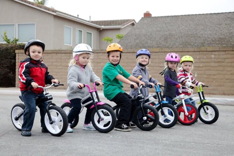 Andare in bicicletta aiuta i bambini a crescere meglio!